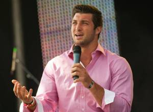 This is what Tim Tebow looks like talking. Photo: dallasnews.com